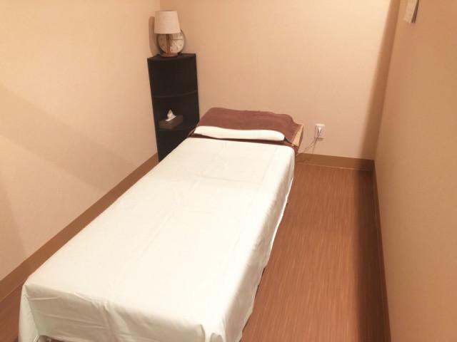 施術ベッド3